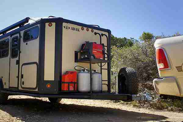 can-you-use-a-generator-while-driving-an-rv-legal-and-safe