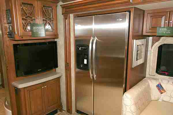 how-many-amps-does-an-rv-refrigerator-draw-tips-to-reduce