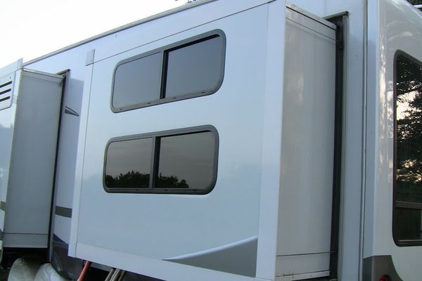 How-to-Replace-the-Seal-on-RV-Slide-Out