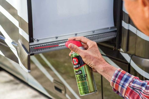 Where-and-How-to-Lubricate-RV-Slide-Outs