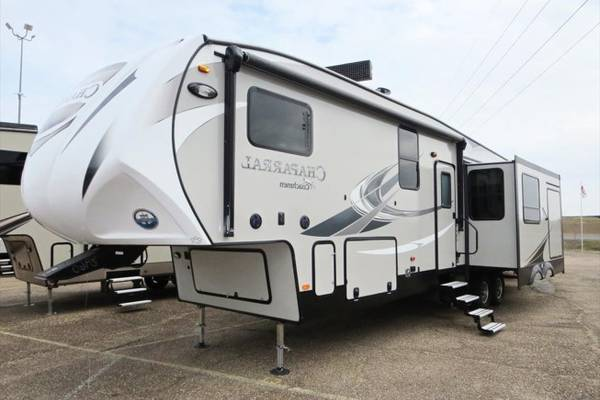 9-Four-Season-Travel-Trailers-for-Sale-Manufacturers-List
