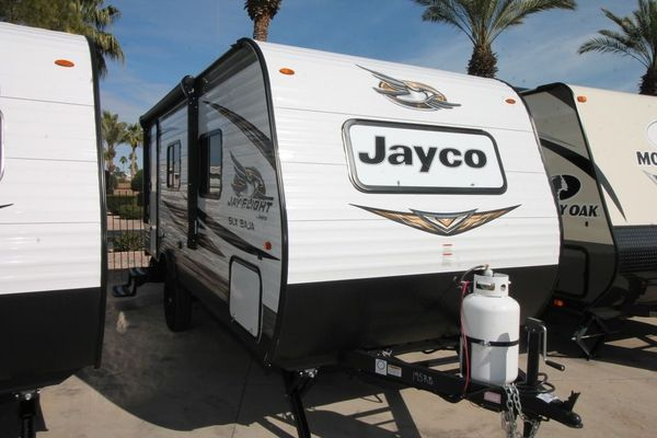 Is-Jayco-a-Good-Brand-Jayco-vs-Forest-River-Comparison