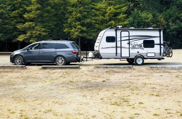 Minivan-Towable-RV-What-Camper-Can-I-Pull-With-a-Minivan