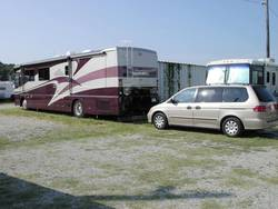 Towing-Minivan-Behind-RV