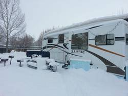 What-is-The-Best-Cold-Weather-Travel-Trailer