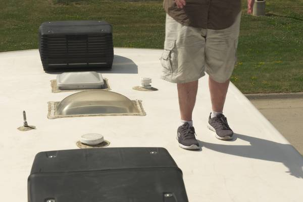 Can-You-Walk-on-the-Roof-of-an-RV-Helpful-Guide-Tips