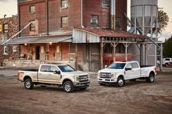 Turning-Radius-Comparison-F350-vs-F450-vs-F550