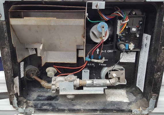 Can-You-Use-RV-Water-Heater-Gas-and-Electric-at-Same-Time