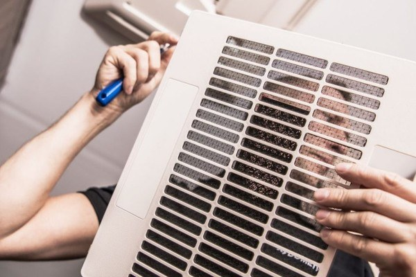 RV-AC-Duct-Flow-How-To-Clean-Repair-And-Boost-AC-Duct