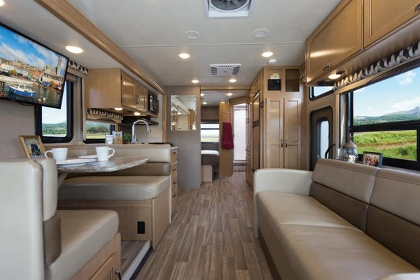Finding-an-RV-Entertainment-System-With-Blu-Ray