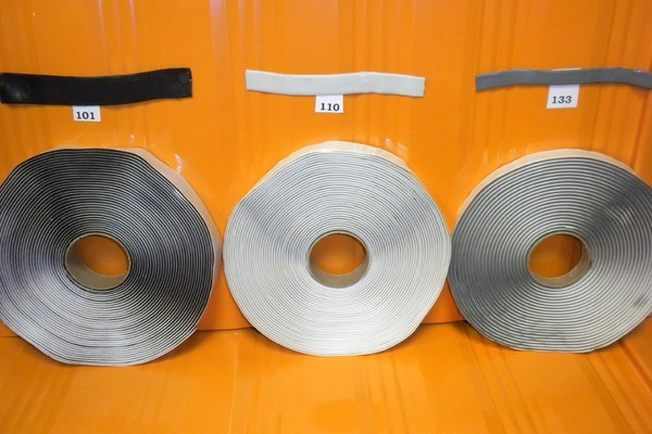 Putty-Tape-vs-Butyl-Tape-What-Is-The-Difference