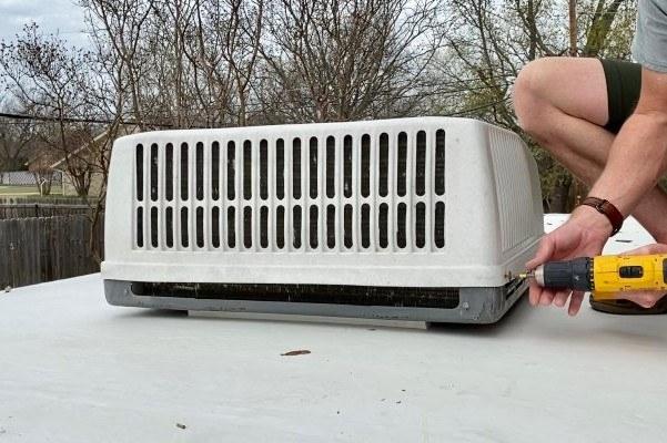 RV-Mini-AC-Options-5000-BTU-RV-Roof-Air-Conditioner