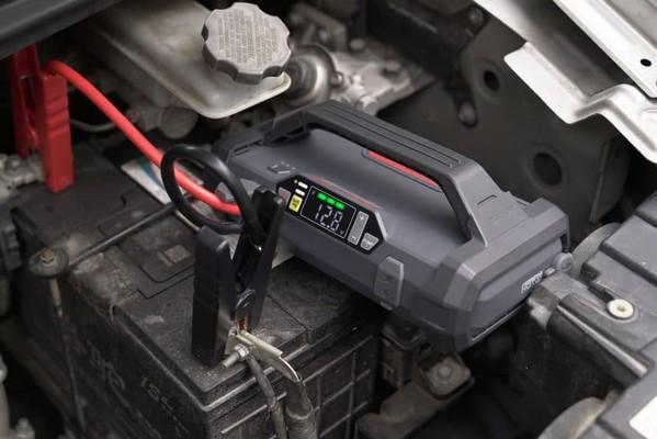 DIY-Homemade-Jump-Starter-Lithium-Battery-vs-Batteryless