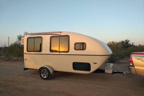 The-Lil-Snoozy-Camper-Price-and-Review-Lil-Snoozy-vs-Casita